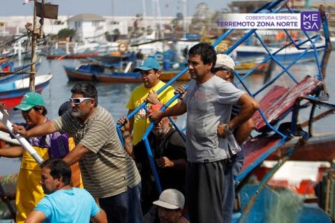 Fotos: Tsunami destruye embarcaciones en puertos del norte