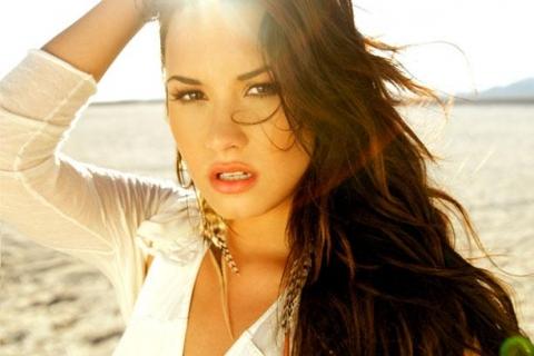 Fotos: Demi Lovato responde a filtración de fotos íntimas