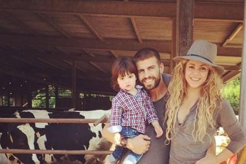 Piqué confirma embarazo de Shakira