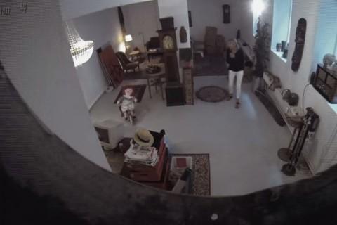 Video: Espeluznante departamento aterroriza a visitantes