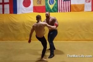 Campeón peso pluma de la UFC se enfrenta a la