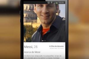 ¡Messi, Cristiano y Neymar en Tinder! Revisa qué dirían sus perfiles