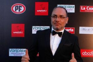 Luis Jara desfiló por la alfombra roja del Copihue de Oro