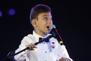 Adrián Vega recibió un lindo regalo de los niños de la Teletón