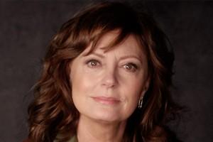 Polémica por escote de Susan Sarandon en la alfombra roja