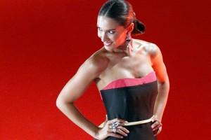 Nuestra candidata a reina Vanesa Borghi hace su entrada triunfal