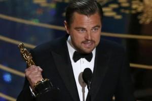 Leonardo DiCaprio olvida el Oscar en una fiesta