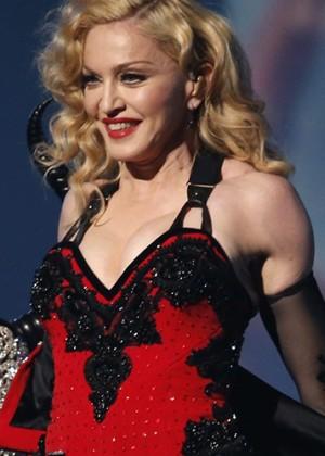 Madonna es acusada de presentarse borracha en Australia