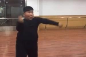 Niño chino es furor con sus pasos de baile