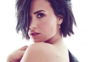 Demi Lovato comparte foto en bikini para mostrar que no es perfecta