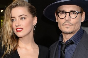 Esposa de Johnny Depp lo acusa de maltrato físico