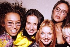 ¡Ex Spice Girl luce increíble a sus 41 años!