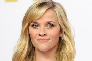 Reese Witherspoon sorprende en la web con atractiva imagen junto a su hija
