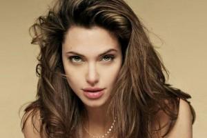 Filtran fotografía de Angelina Jolie desnuda