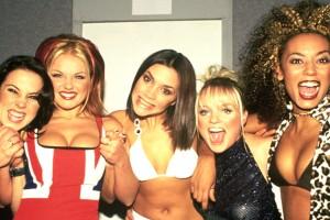 Ex integrante de Spice Girls fue criticada por subir foto en toples a Instagram