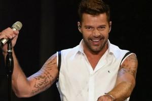 ¿Ricky Martin enamorado de John Travolta?