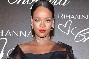 Rihanna impacta con desinhibido destape