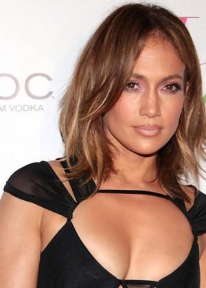 Jennifer López desmentió acusaciones de sus fanáticos de usar Photoshop