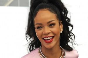 Rihanna cambió radicalmente su look