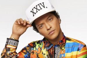 Bruno Mars estrena videoclip junto a Zendaya