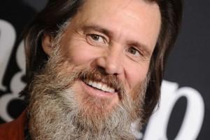 Jim Carrey dejó atrás su frondosa barba y reaparece con nuevo look