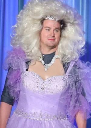 Channing Tatum se vistió de princesa para cantar 'Let it go'