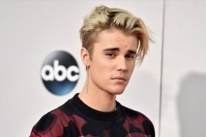 Conoce a la mujer que estaría ocupando el corazón de Justin Bieber