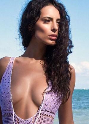 ¡Infartantes! Mira las fotos más sexys de la novia de Marc Anthony