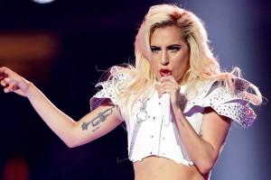 Lady Gaga detuvo un concierto para salvar a una fanática