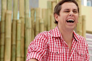 ¡Piscinazo en el Mapocho!: La promesa de José Miguel Viñuela para ganar el Copihue de Oro