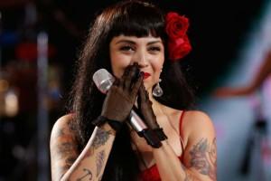 Mon Laferte obtiene su primer Grammy Latino por Mejor Canción Alternativa