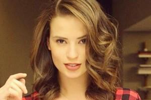 Así se prepara la guapa Julia Fernández para el Copihue de Oro