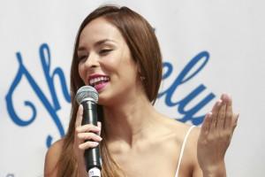 ¡De infarto! Jhendelyn Núñez impacta al estilo Baywatch