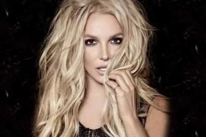 Britney Spears impacta con tonificada figura en bikini