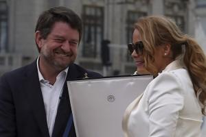Cathy Barriga protagonizó divertido chascarro con Claudio Orrego