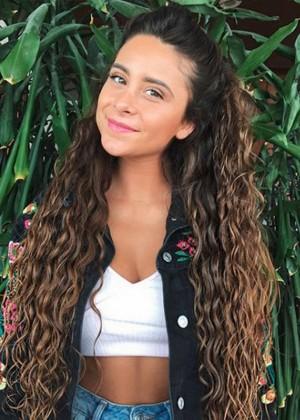 El sencillo look de Camila Gallardo que conquistó a sus fanáticos en La Cumbre del Rock