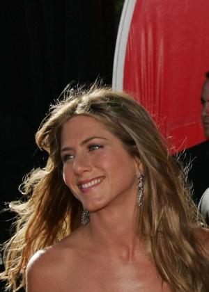 Desmienten romance de Brad Pitt y Jennifer Aniston