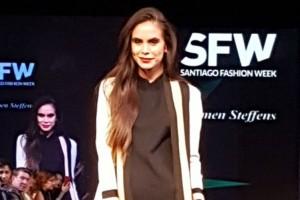 Revisa algunas imágenes del desfile de Carmen Steffens para el Santiago Fashion Week