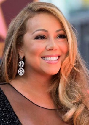 Mariah Carey es acusada de acoso sexual