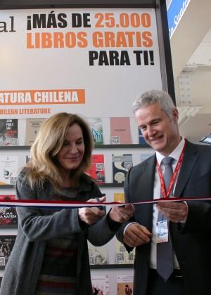 Nueva Biblioteca Digital en el aeropuerto de Santiago
