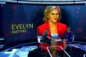 Más Vale Tarde: Tras la solidez del carácter de Evelyn Matthei