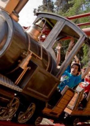 ¿Adiós a la diversión? Usuarios se manifiestan tras el fin de Fantasilandia en el Parque O'Higgins