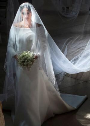 ¡Puro amor! Meghan Markle contó secreto que escondía su largo vestido de novia