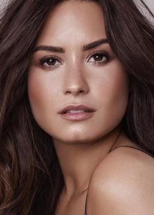 Demi Lovato regresa a las redes sociales tras larga ausencia