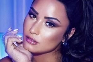 Demi Lovato fue captada besándose con quien sería su nueva conquista