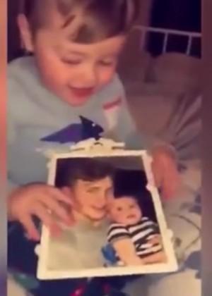 [VIDEO] La escalofriante reacción de un bebé al ver la foto de su padre fallecido