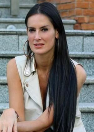 ¡Adriana Barrientos volvió a barrer el piso con Nicole Moreno!