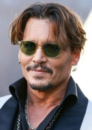 Johnny Depp impacta con radical cambio de apariencia