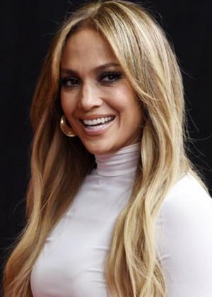 Jennifer López sorprendió a sus fanáticos con interpretación de Elvis Presley