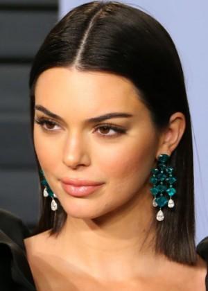 Kendall Jenner sorprende utilizando a su nueva e inusual mascota como accesorio